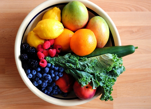 bowl of fruits and veges